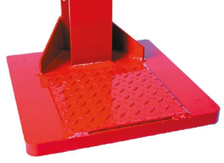 Pour une robustesse maximale, la poutre en acier est encastrée dans la plaque de sol et soudée des 2 côtés