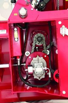 Treuil TAJFUN  Pompe + multiplicateur à engrenage. Un filtre pression assure la pureté de l'huile