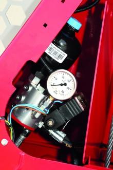 Système électro-hydraulique  protégé par le bâti du treuil