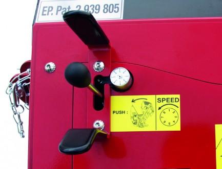 Commandes hydrauliques du chevalet et reglage de la vitesse